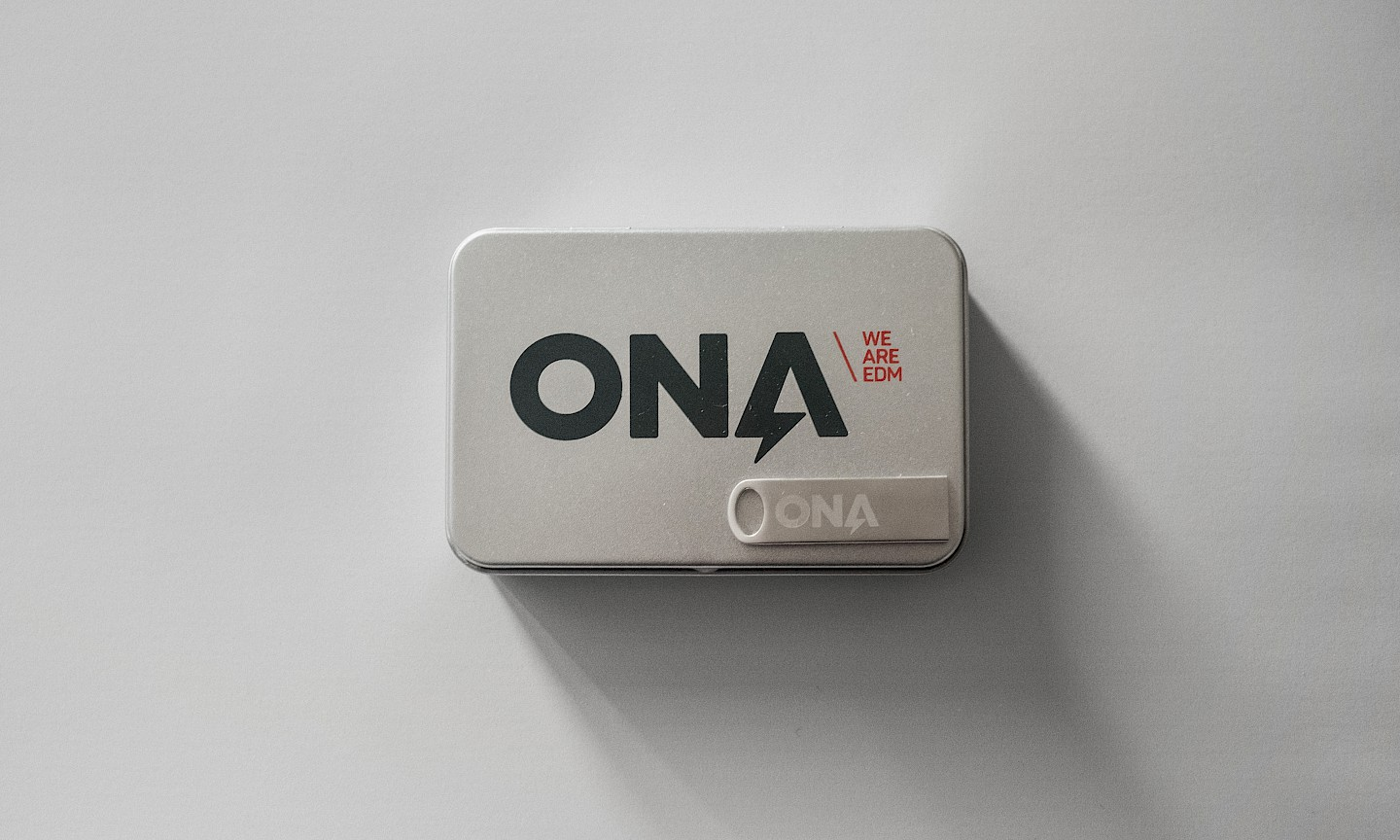 digital move ona technology design spaces print narrative 01 branding