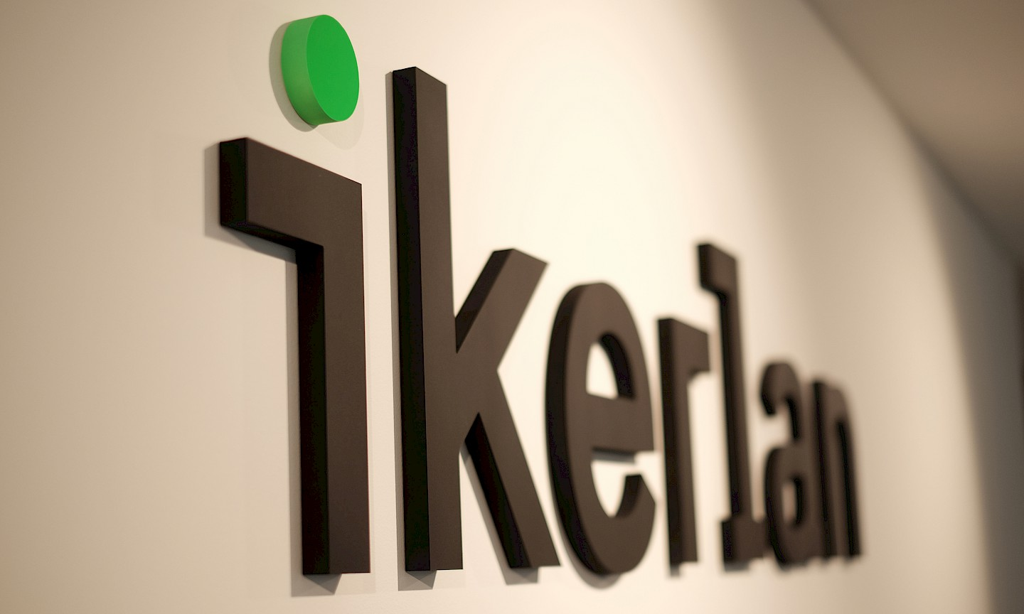 environment_13 branding ikerlan design technology move