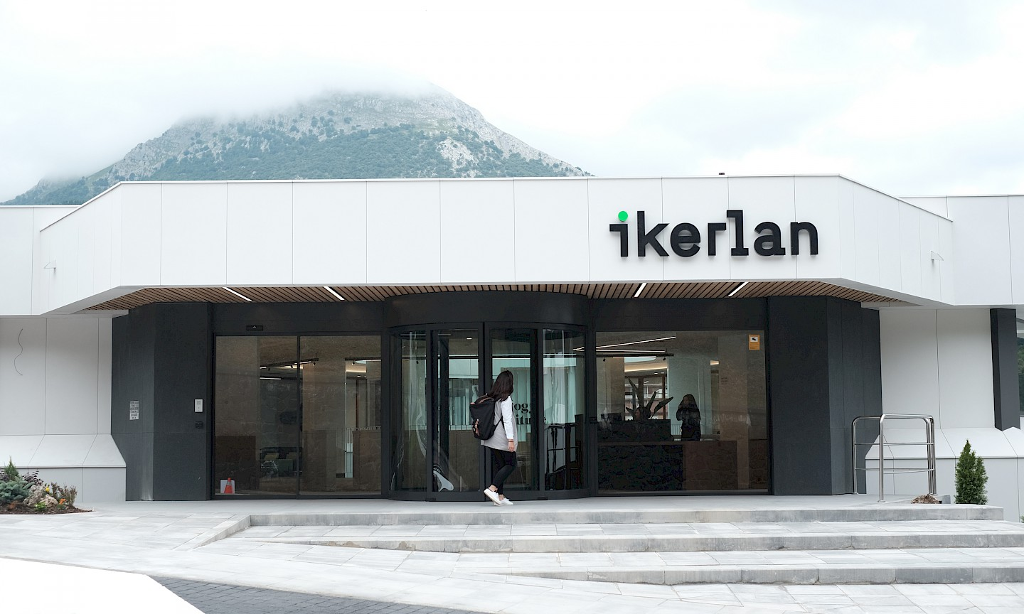 environment_8 ikerlan design branding move technology